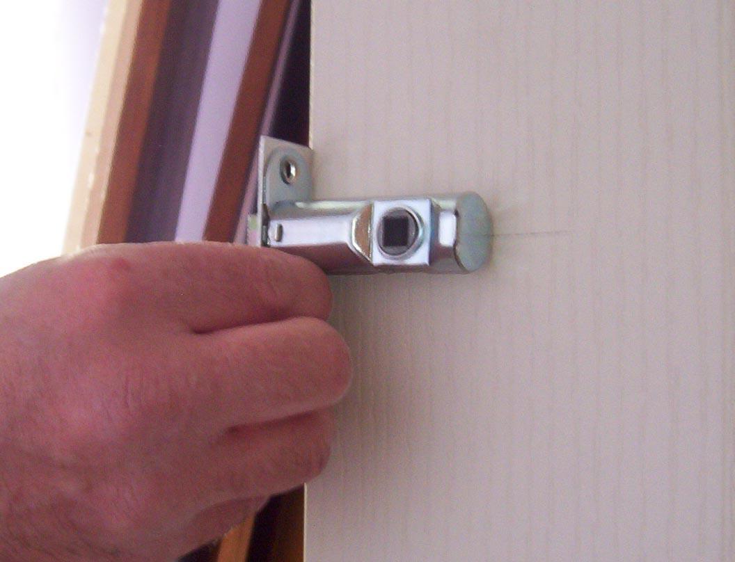 Fit_internal_door_image. fitting door latch & How To Fit Internal Doors - diy projects